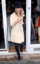 Kate+rainy+day+shopping+spree+Z__OH9zIFcEl