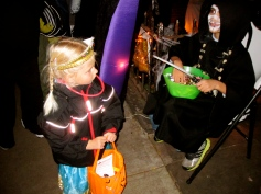www.queenstreet.se West 69 Street Halloween Block Party